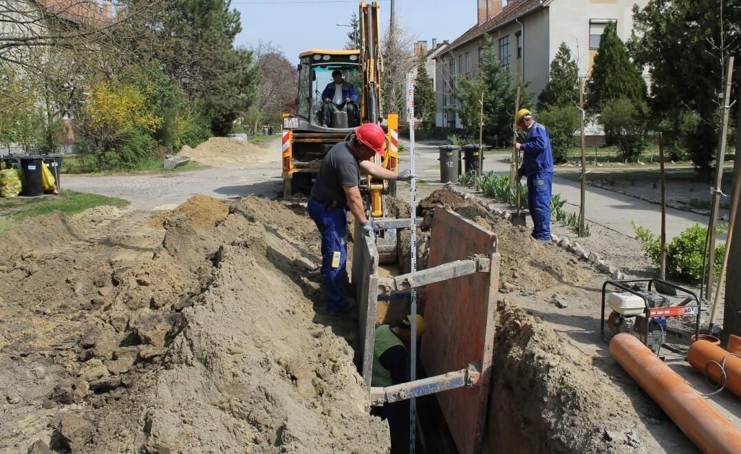 Tízmilliárdos vízgazdálkodási projekt indul Szolnok térségében és a déli határnál