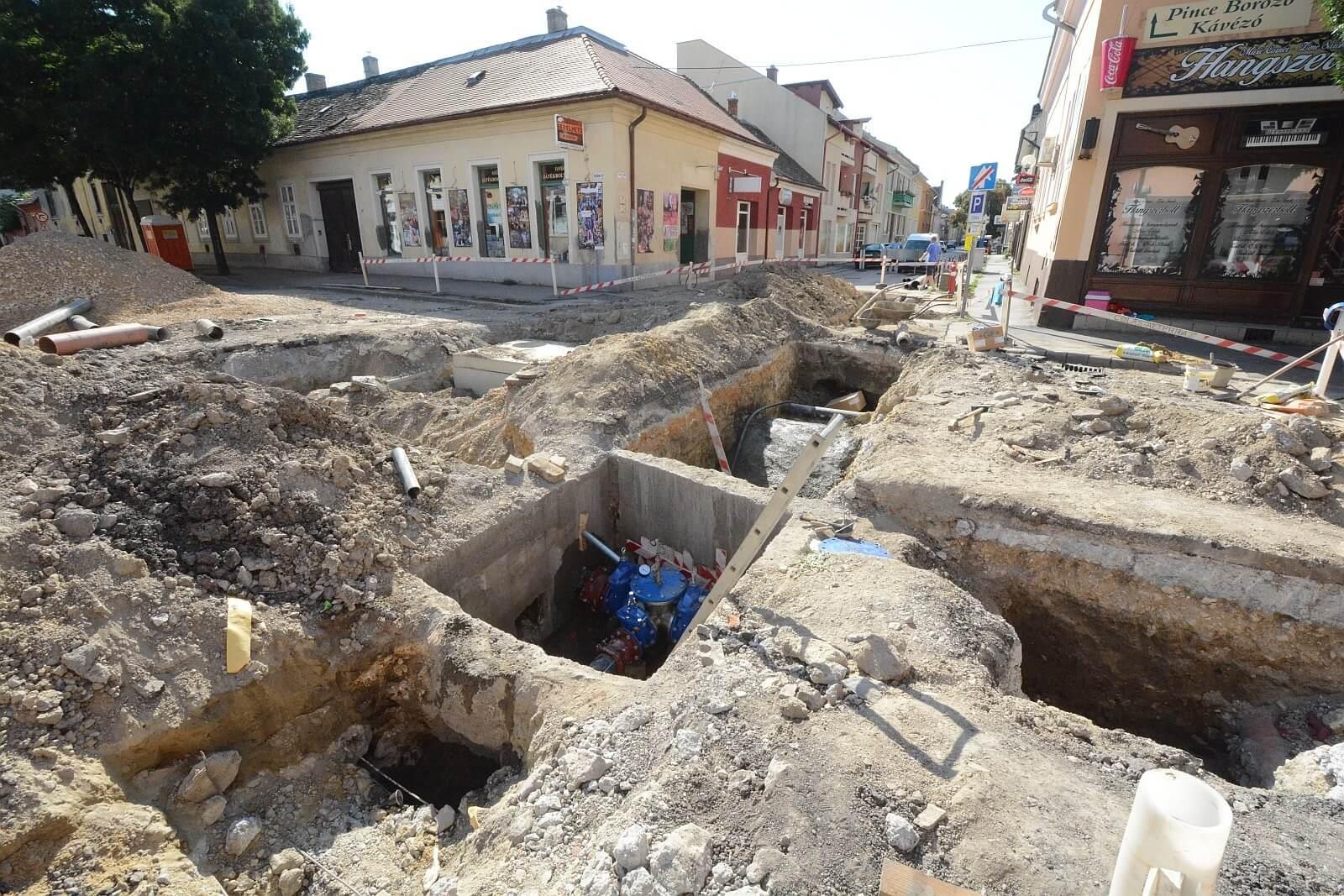 A Colas Alterra újítja meg a közműveket Székesfehérvár belvárosában