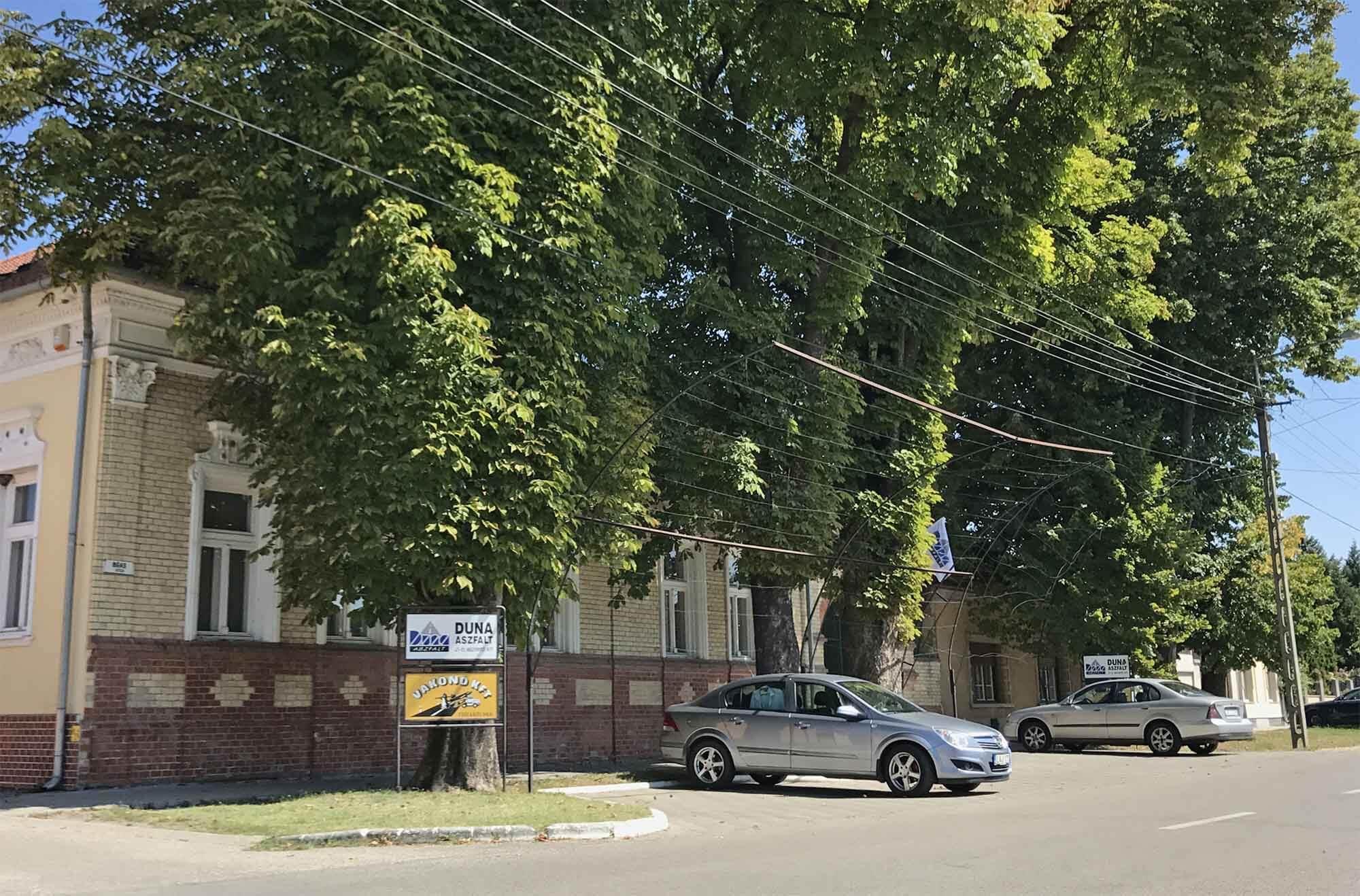 """Pontatlan hírekkel indított ostromot a """"Simicska-híradó"""" a Duna Aszfalt ellen is"""
