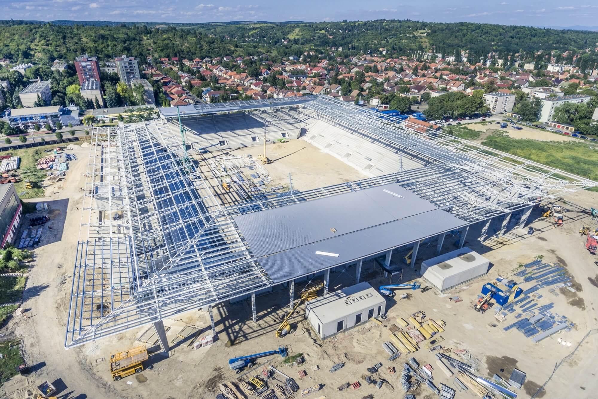 Market: szerkezetkész a diósgyőri stadion