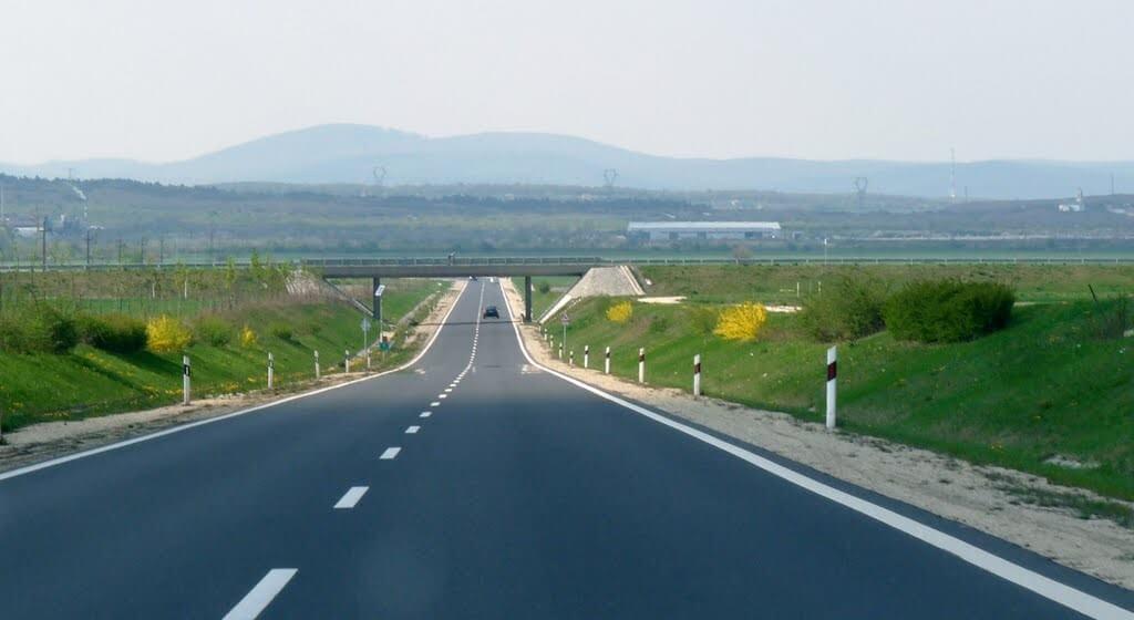 Balatonparti dugókat enyhít a 710-es főút bővítése