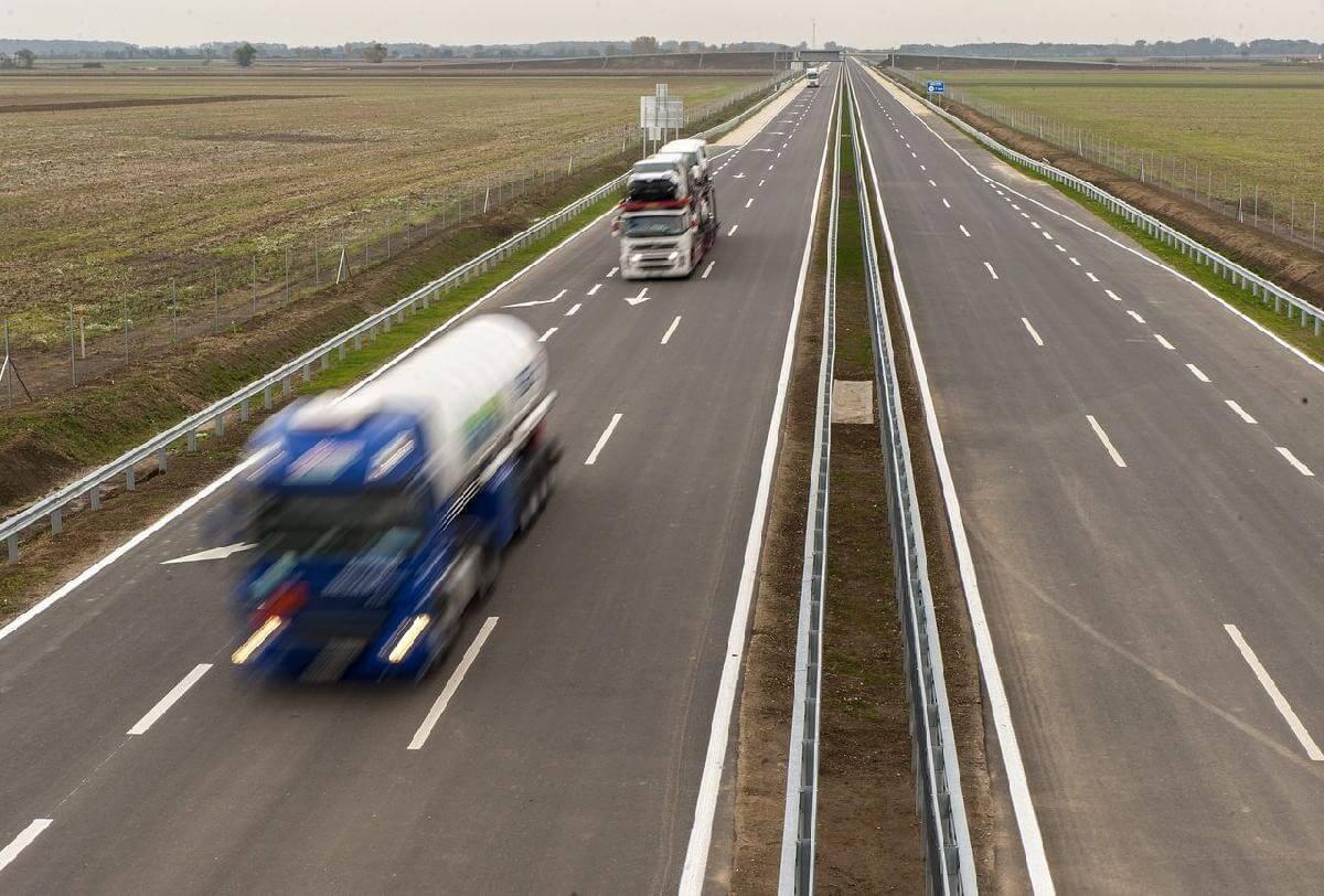 Újabb útszakaszt fejlesztenek Debrecen és Mátészalka között