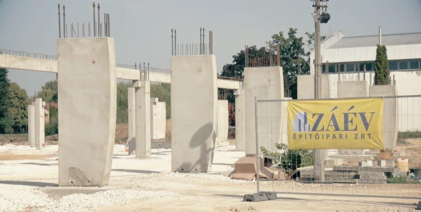 Már ezer tonna beton beépült Kaposvár új arénájába