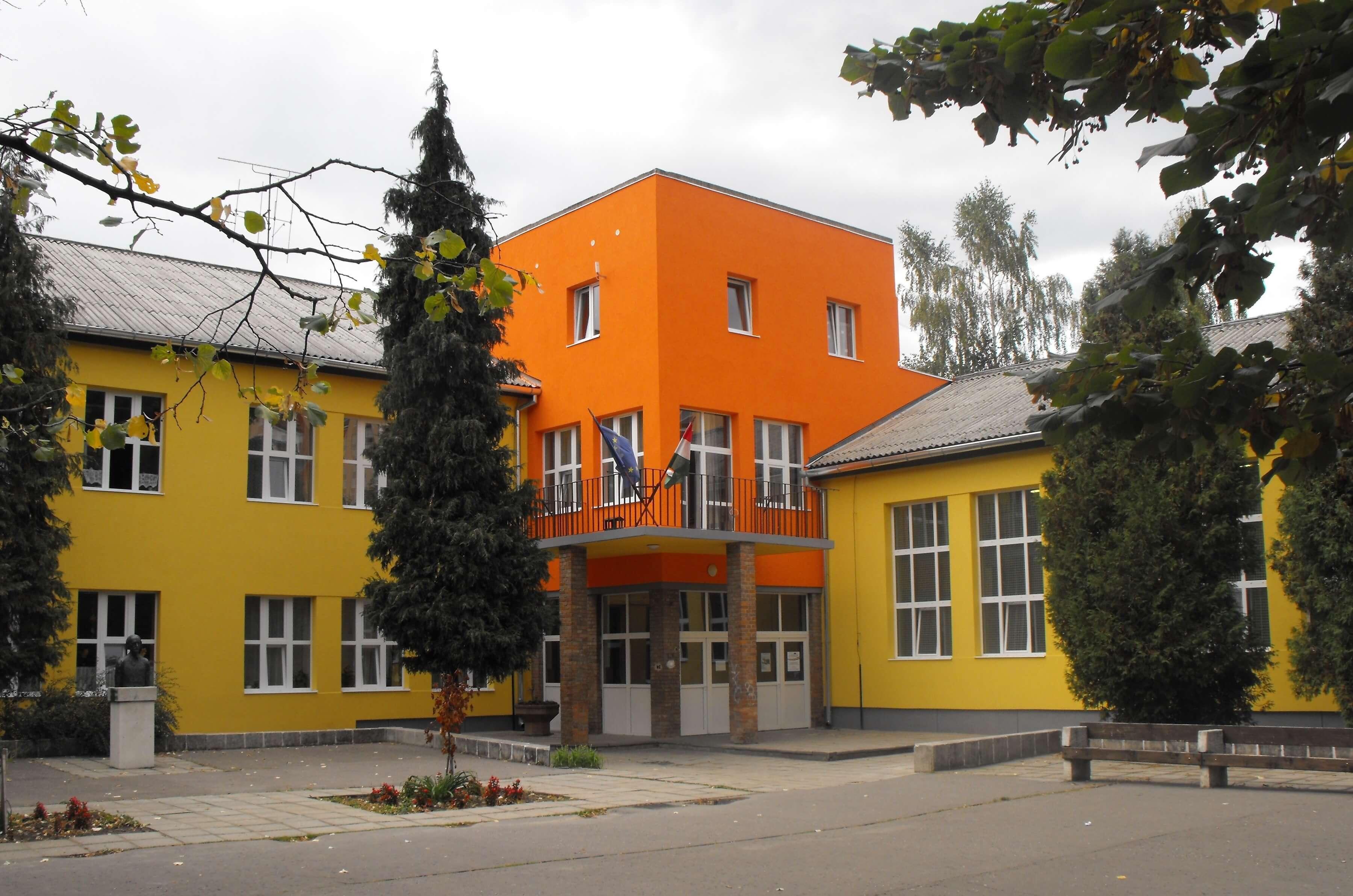 Óvodaépítéssel és iskolabővítéssel folytatódnak a komlói fejlesztések