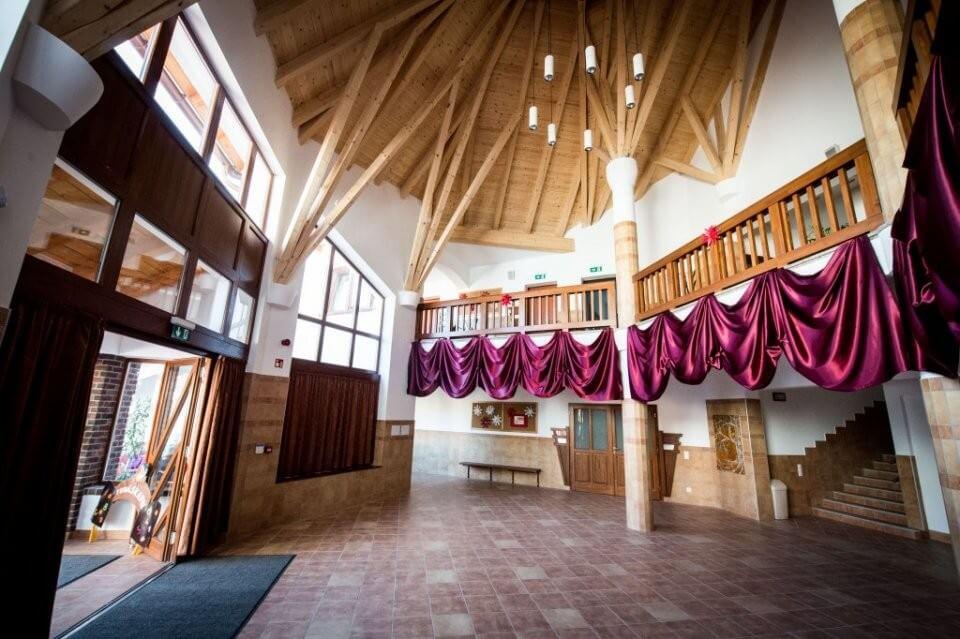 Új általános iskolát épített Veresegyházon a Laterex