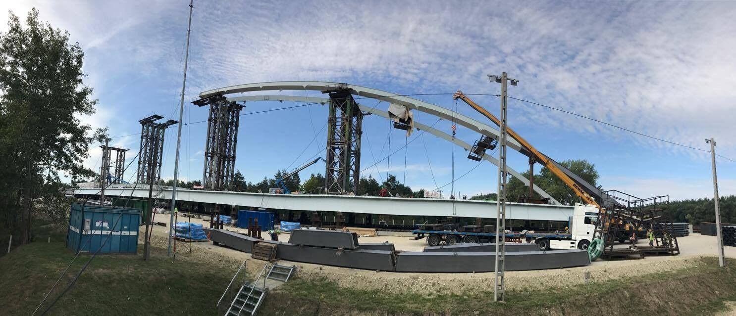 Néhány hét múlva helyére tolja a Mosoni-Duna új hídját a Hódút