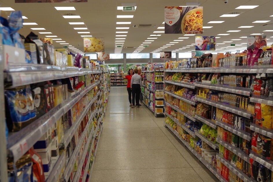Megnyílt az Auchan első új szupermarketje: összesen harmincat építenek