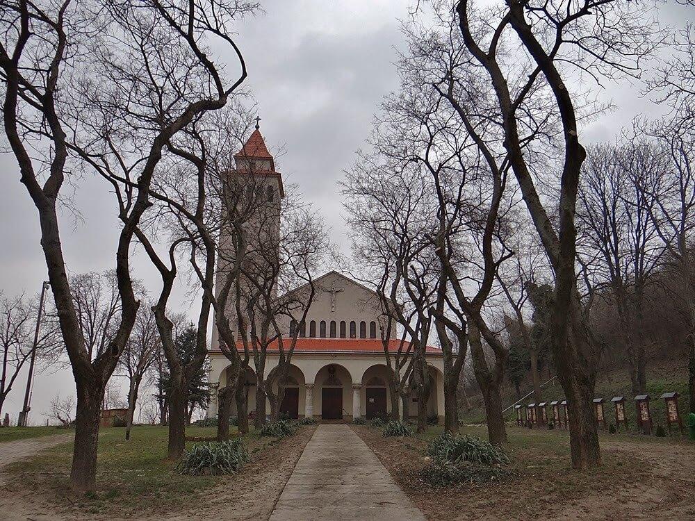 Felújítássorozattal készül a zarándokok fogadására a pécsi egyházmegye