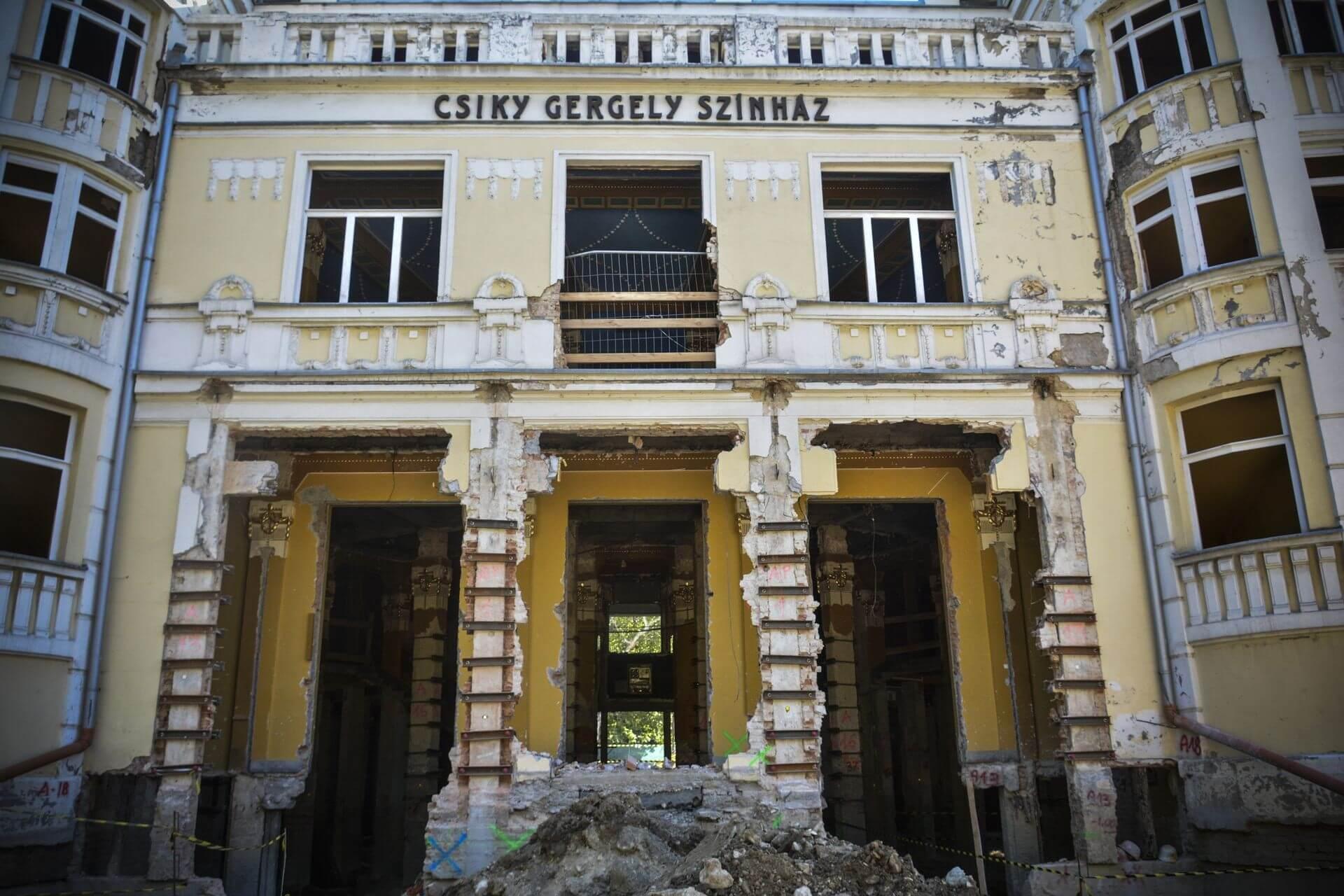 Különleges technikát épít be a ZÁÉV a kaposvári színházba