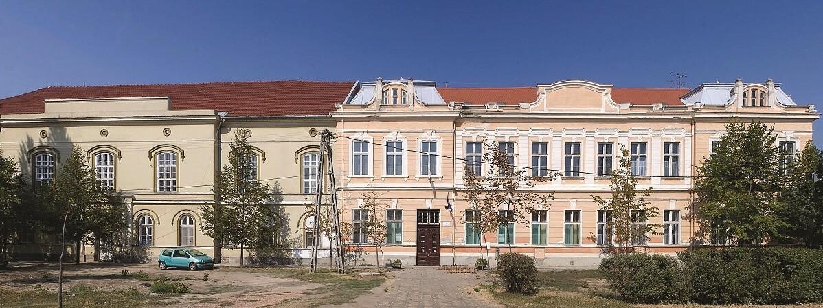 Ezek a cégek újítják fel a Szeged-Csanádi Egyházmegye iskoláit