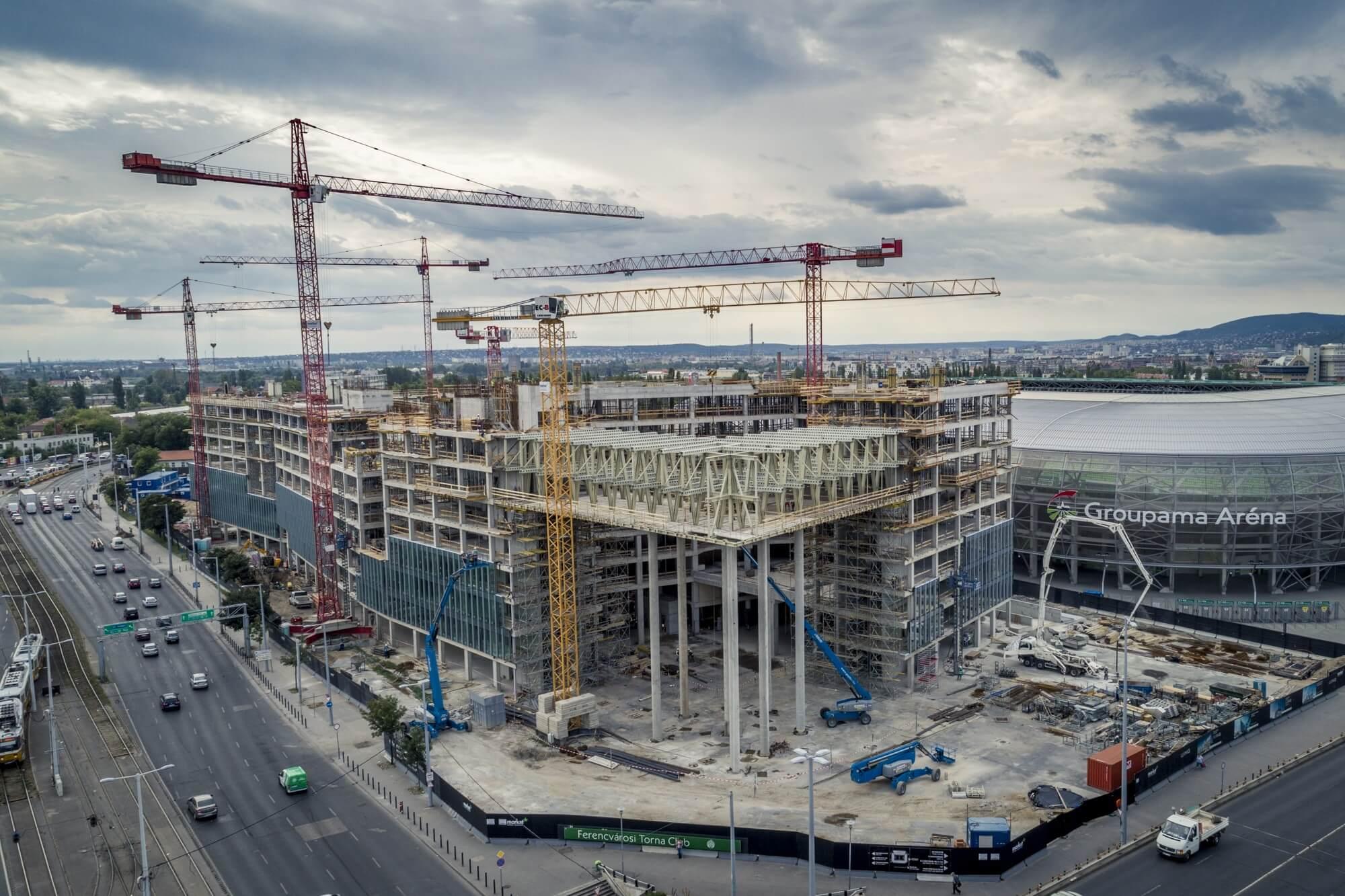 Naponta ötszázan dolgoznak Magyarország legnagyobb irodaházán