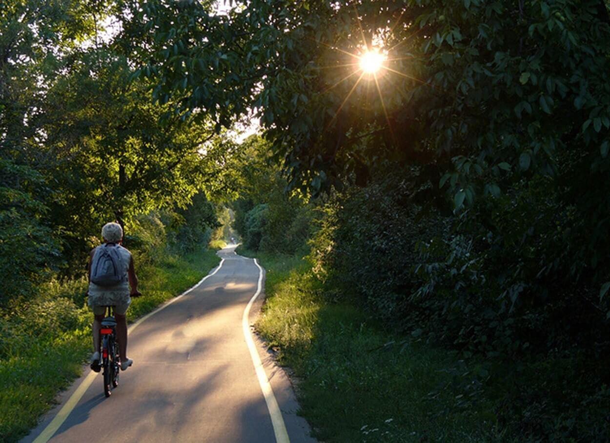 344 kilométer kerékpárút épül ki az egykori vasfüggönyt átszelve