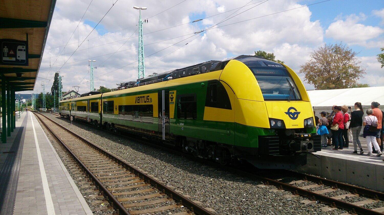 Tovább fejlesztik a Dunántúl vasúthálózatát: újabb 53 kilométert villamosítanak