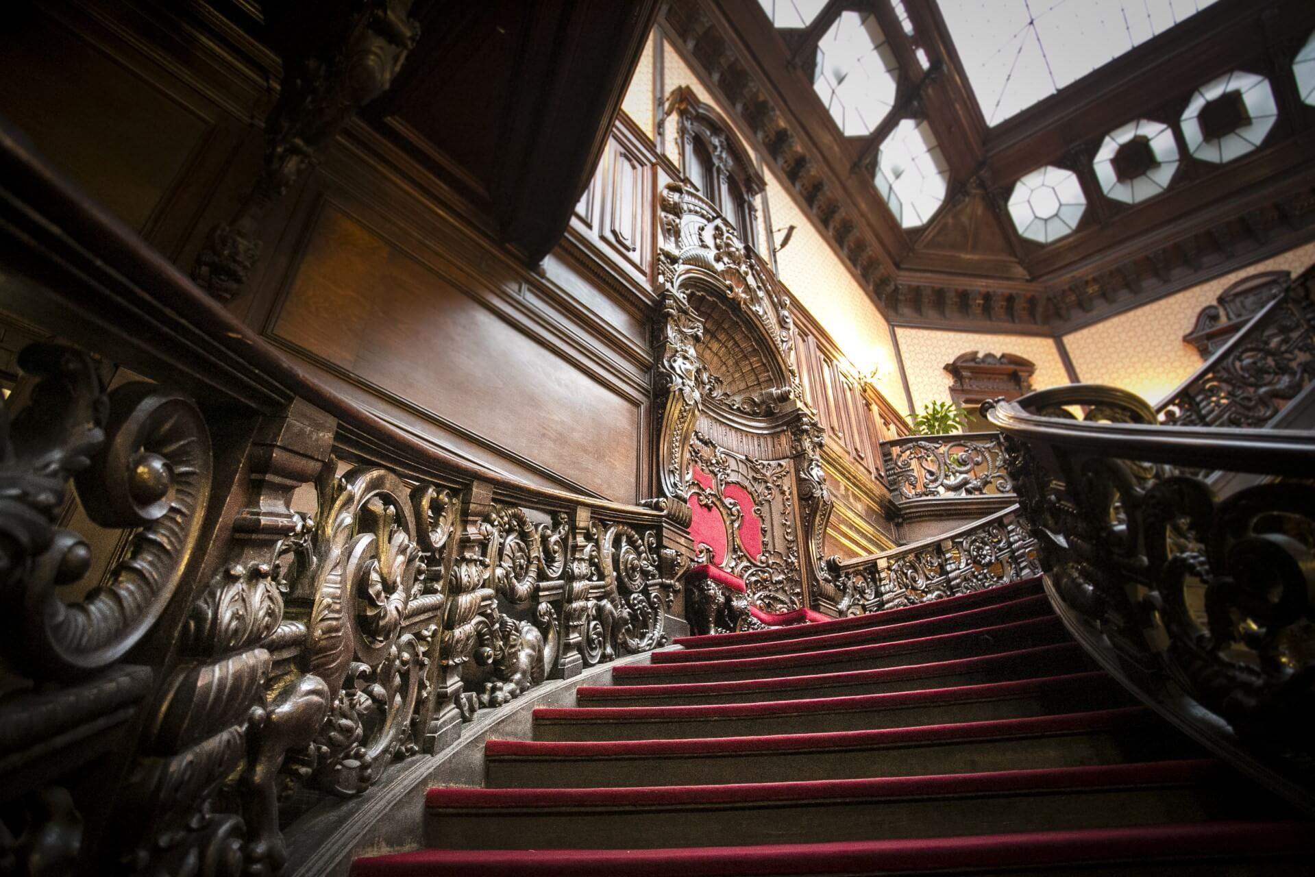 Megújuló 19. századi palotákba járhatnak majd a Károli hallgatói