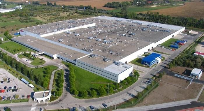 Óriásirodával bővítette székesfehérvári gyárát a Denso