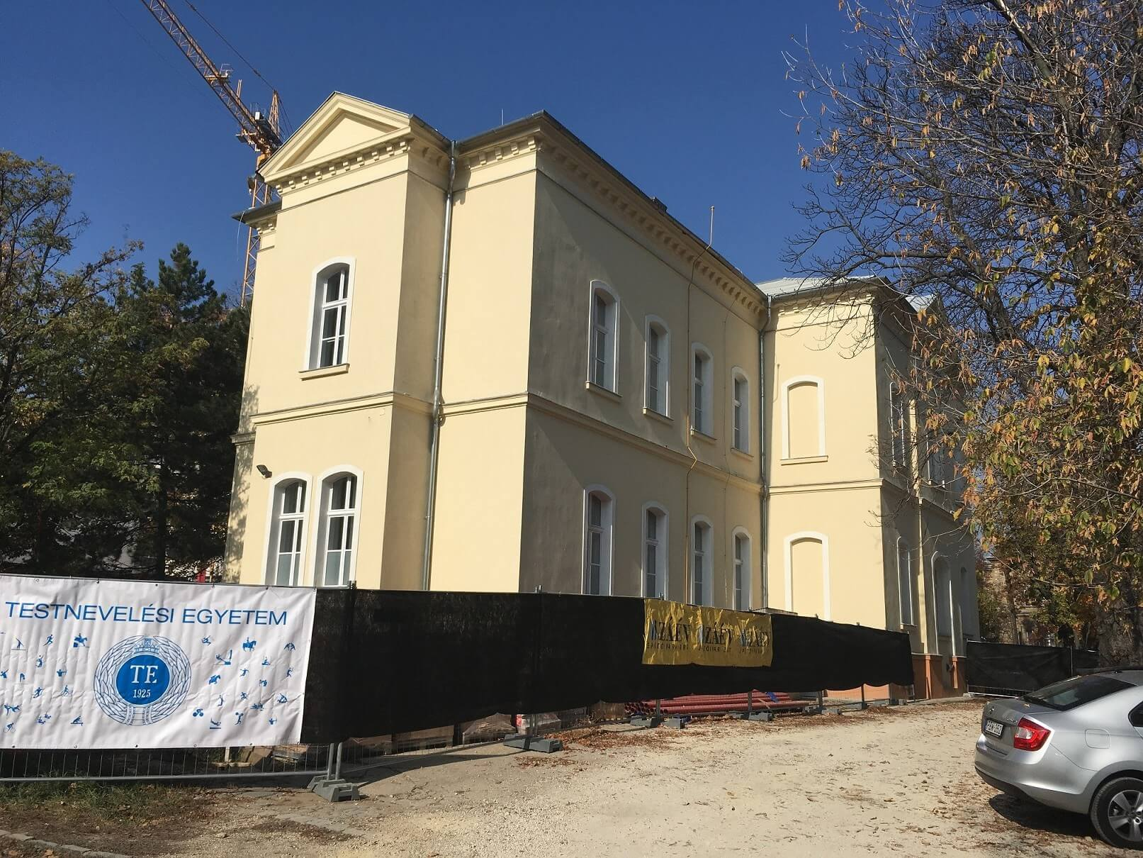 Elkészült a Testnevelési Egyetem első épületével a ZÁÉV