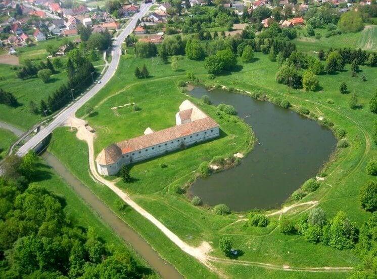 Főúti hidat építenek át a szlovén határ közelében