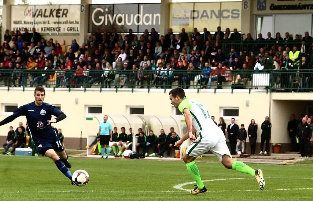 Megújult sportkomplexumot kaptak Makó labdarúgói