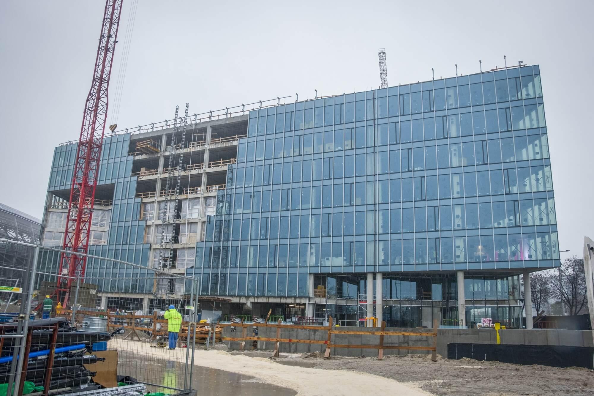 Félúton az átadás felé a Telekom gigantikus székháza