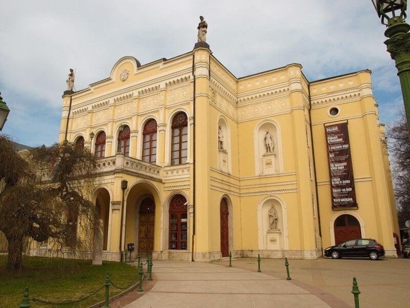Felújítják Debrecen 150 éves színházát