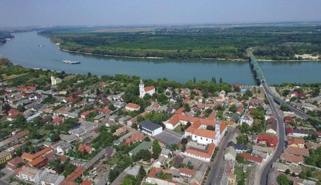 Mederkotrással, rendezvényhajóval és új sétánnyal nyit Dunaföldvár