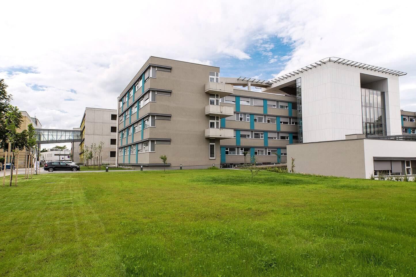 A Ke-Víz és a Közmű Generál kivitelezik a nyíregyházi kórház parkolóházát