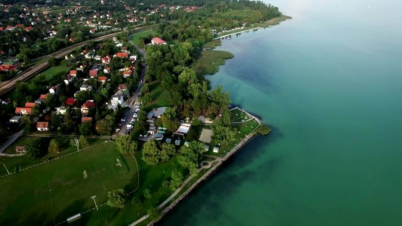 Termelői piaccal és strandfejlesztéssel újít Révfülöp