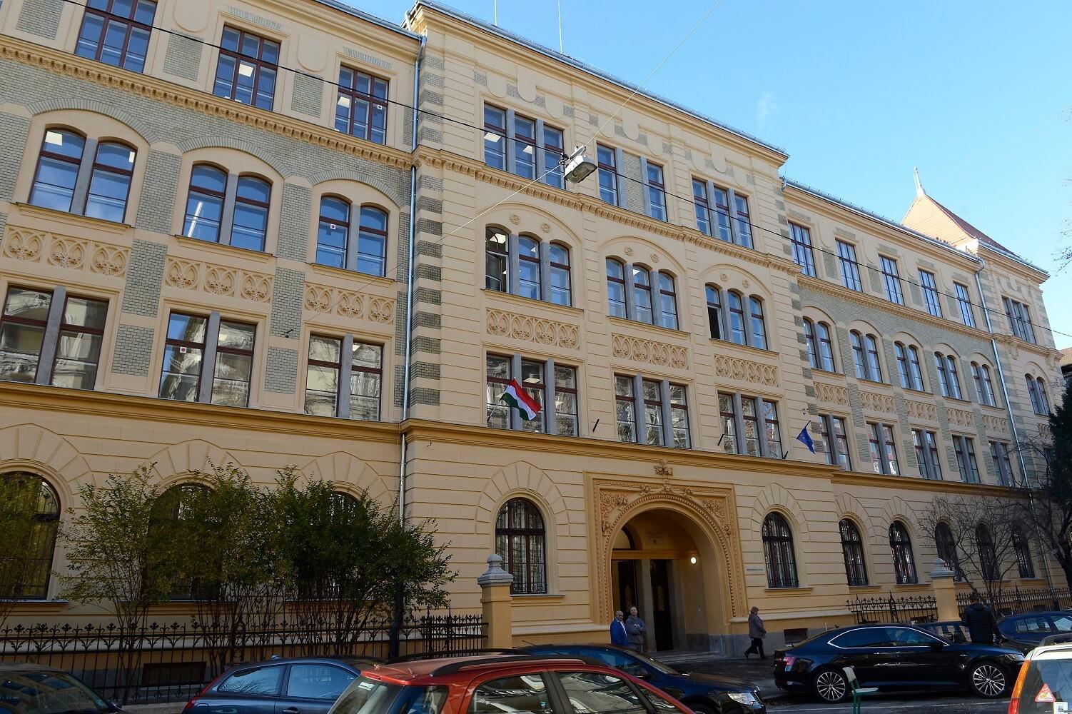Vendéglátóipari gimnáziumnak teremtett új otthont az EB Hungary