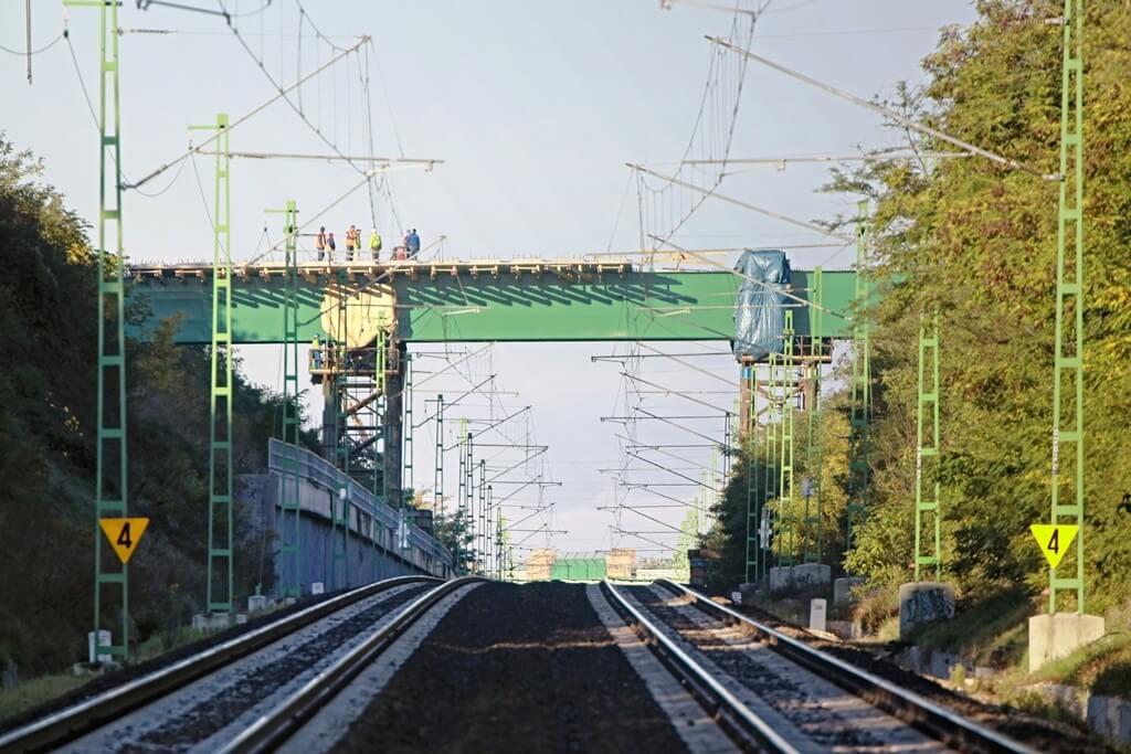 Bravúrt hajtott végre az A-Híd az érdi felüljárók kivitelezésekor