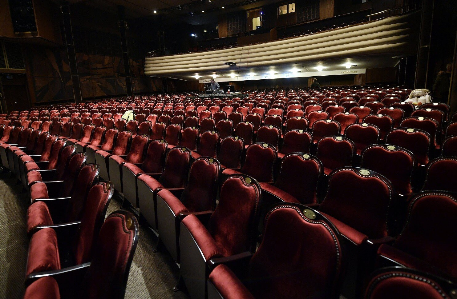 Hat évig tartó felújítás zárult le a József Attila Színházban