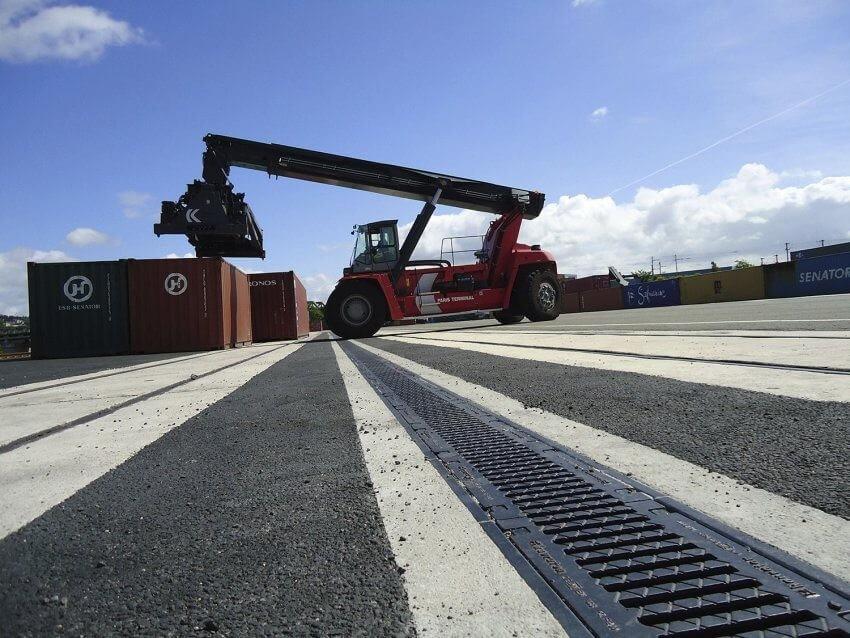 Új gyárberuházásokhoz épít infrastruktúrát Komló