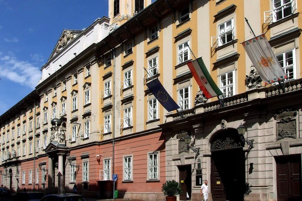 Új homlokzatot kap a Főpolgármesteri Hivatal