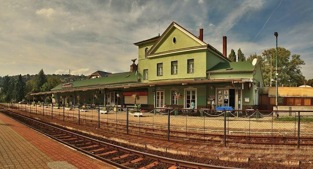 Megszépülnek az észak-balatoni vasútállomások