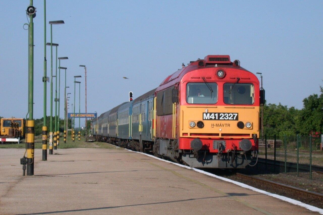 Így kezdődhet el a vasútfejlesztés a Balaton északi partján