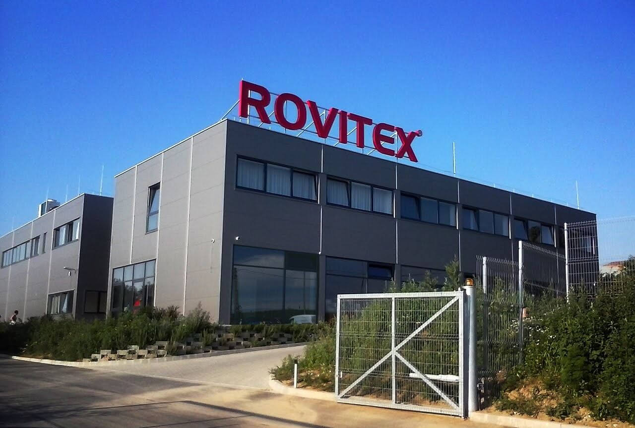 Új gyártócsarnokkal erősödik Pécs textilipara