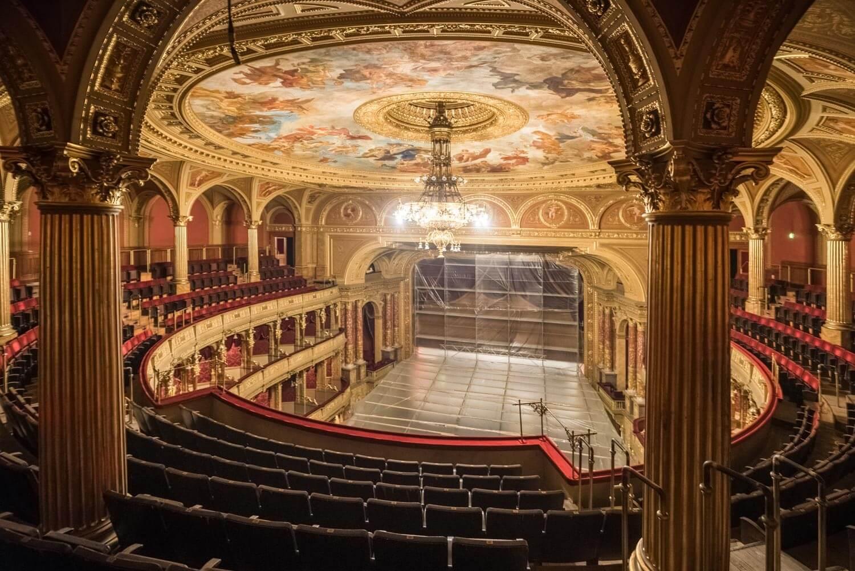 Bepillanthattunk az Operaház felújításának kulisszái mögé