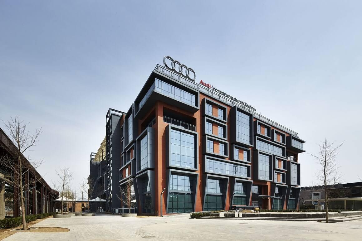 6 milliárd forintos bővítést indít a 25 éves Audi