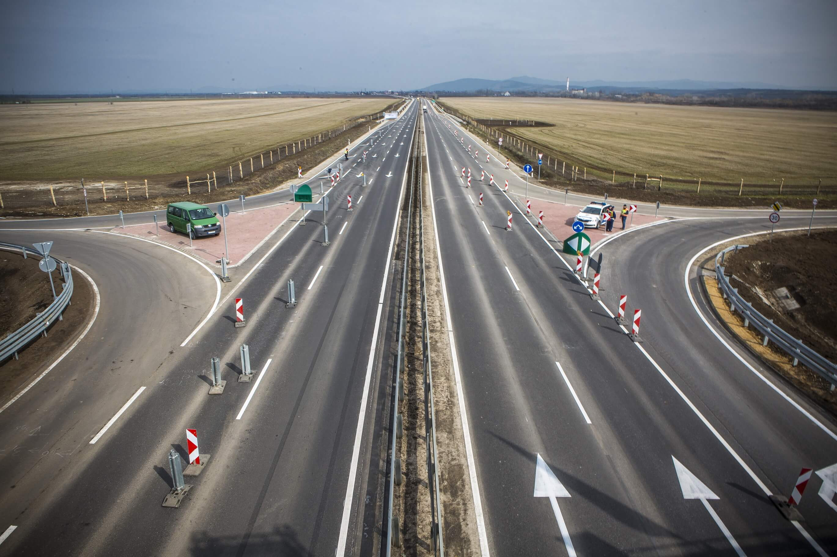 Elkészültek a négysávos 21-es főút legújabb szakaszával Hatvannál