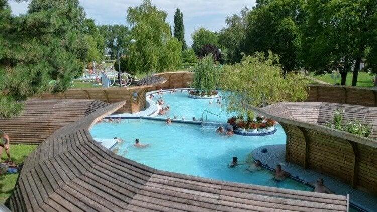 35 év után születhet meg a Bábolna gyógyvizére alapozott fürdő