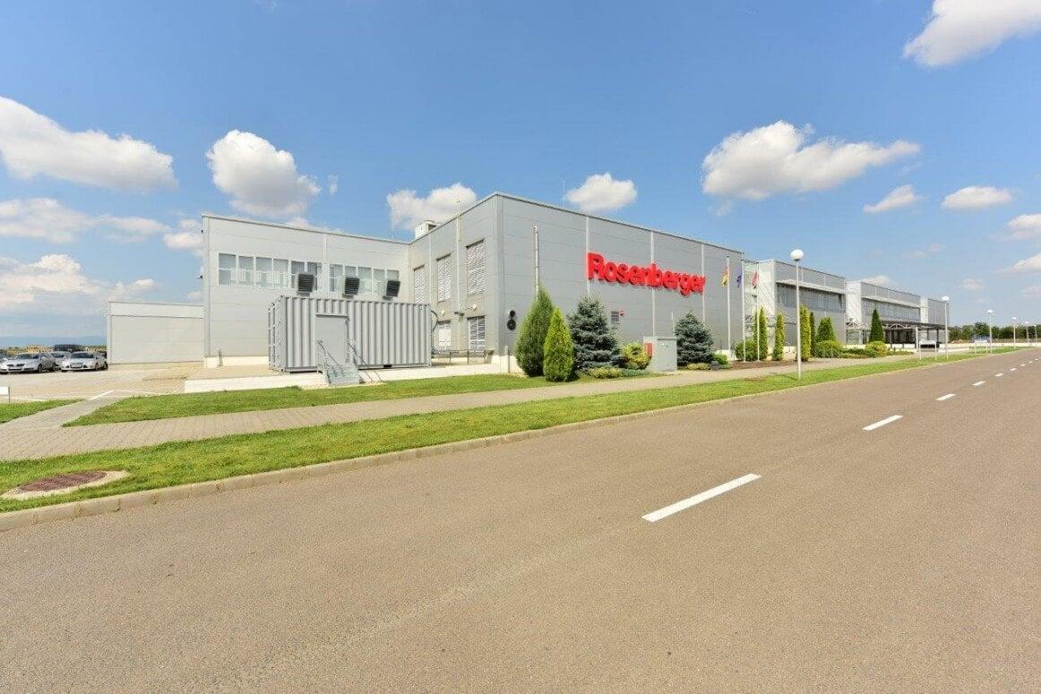 Új üzemében jelentett be további hatmilliárdos beruházást a Rosenberger Kft.