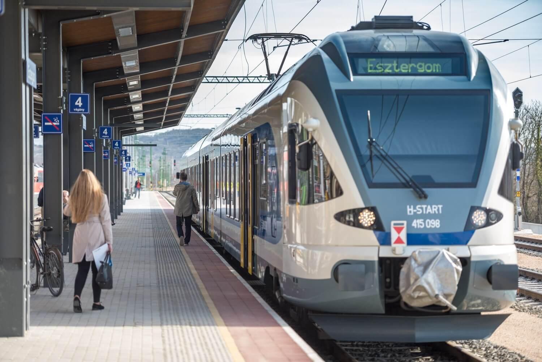 Közel félórával rövidült az esztergomi vasút menetideje