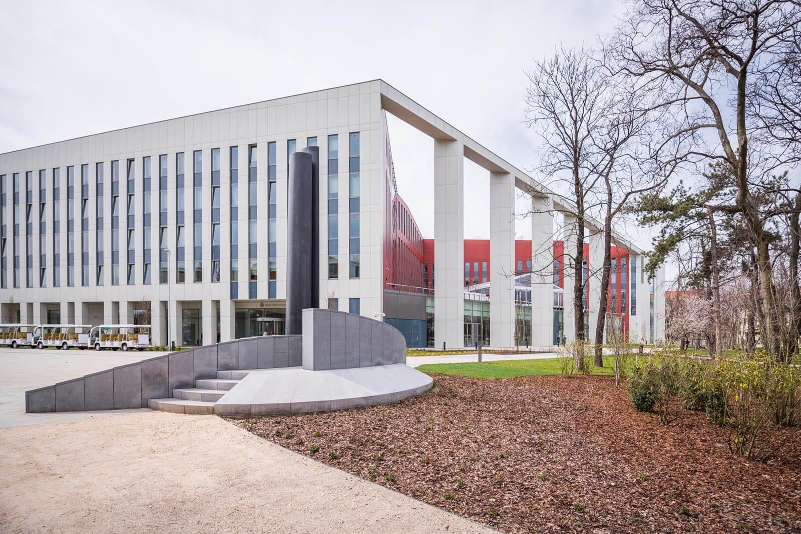 Átadták a kiemelt állami beruházásban létrejött Ludovika Campust