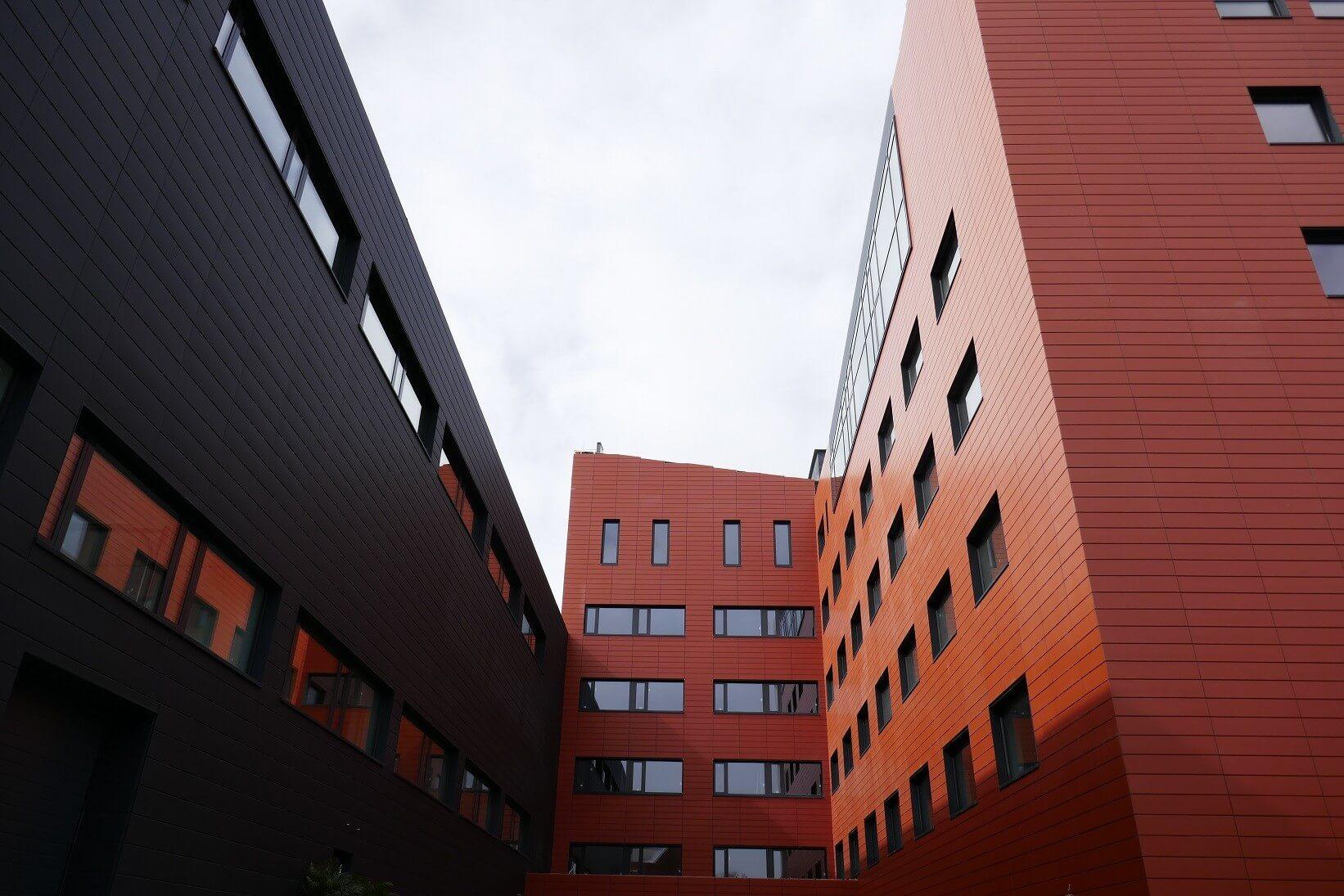 Tízezer négyzetméteres új központba költözhet a KEF