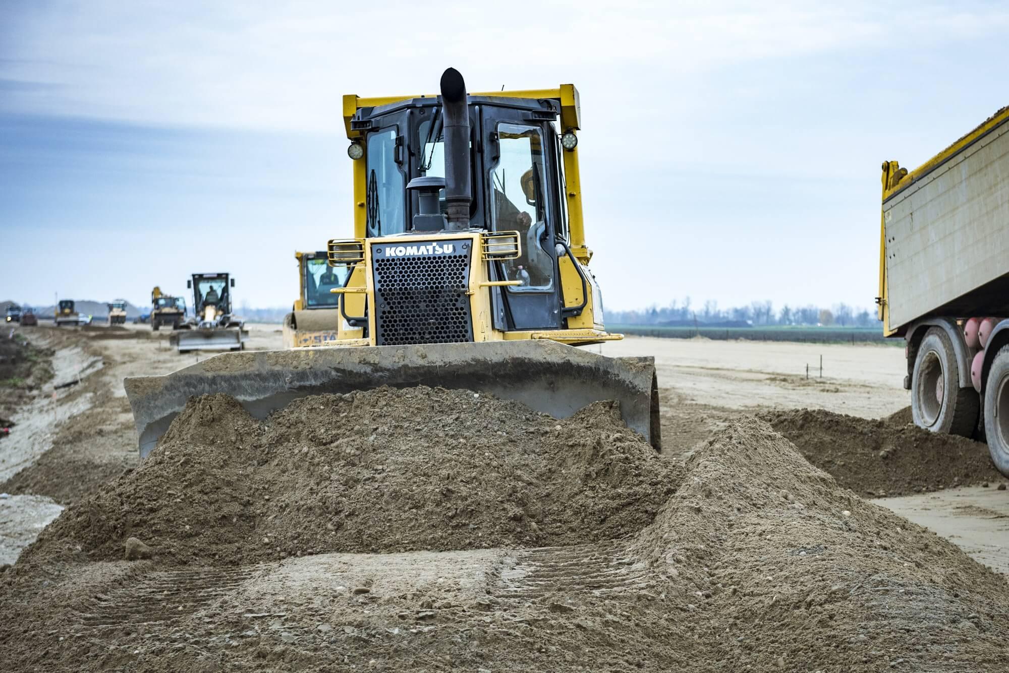 Lassú növekedéssel, de biztató folyamatokkal halad az építőipar