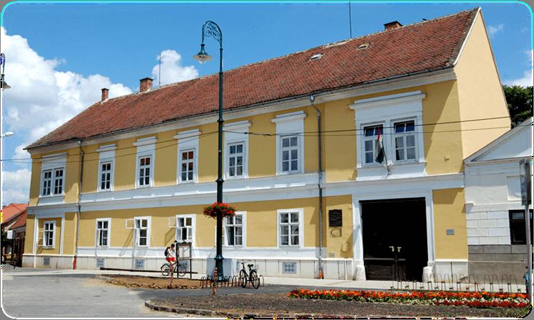Egyik legszebb épülete mellé építi fel a Zene Házát Sárvár