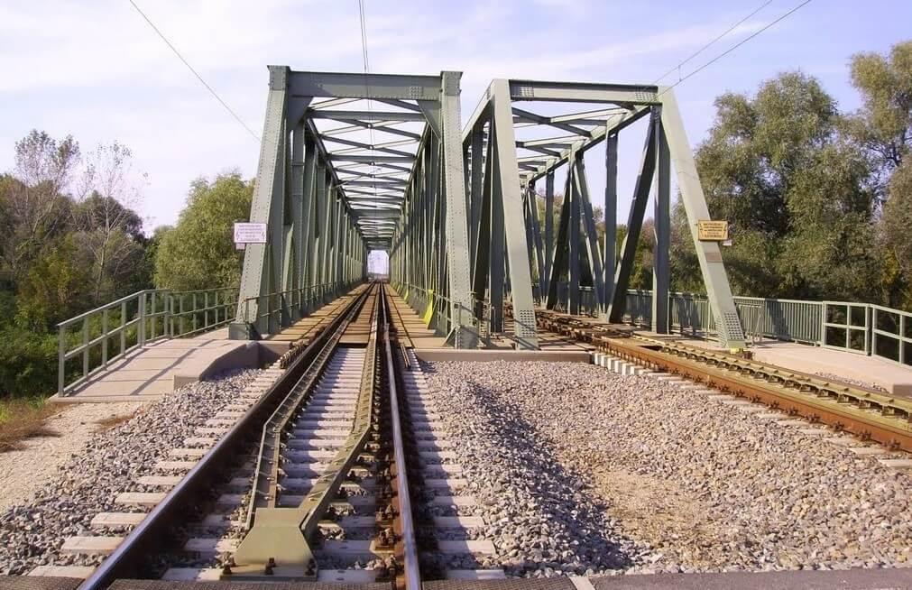 Milliárdos vasúti hídépítést kivitelez az A-Híd két településen