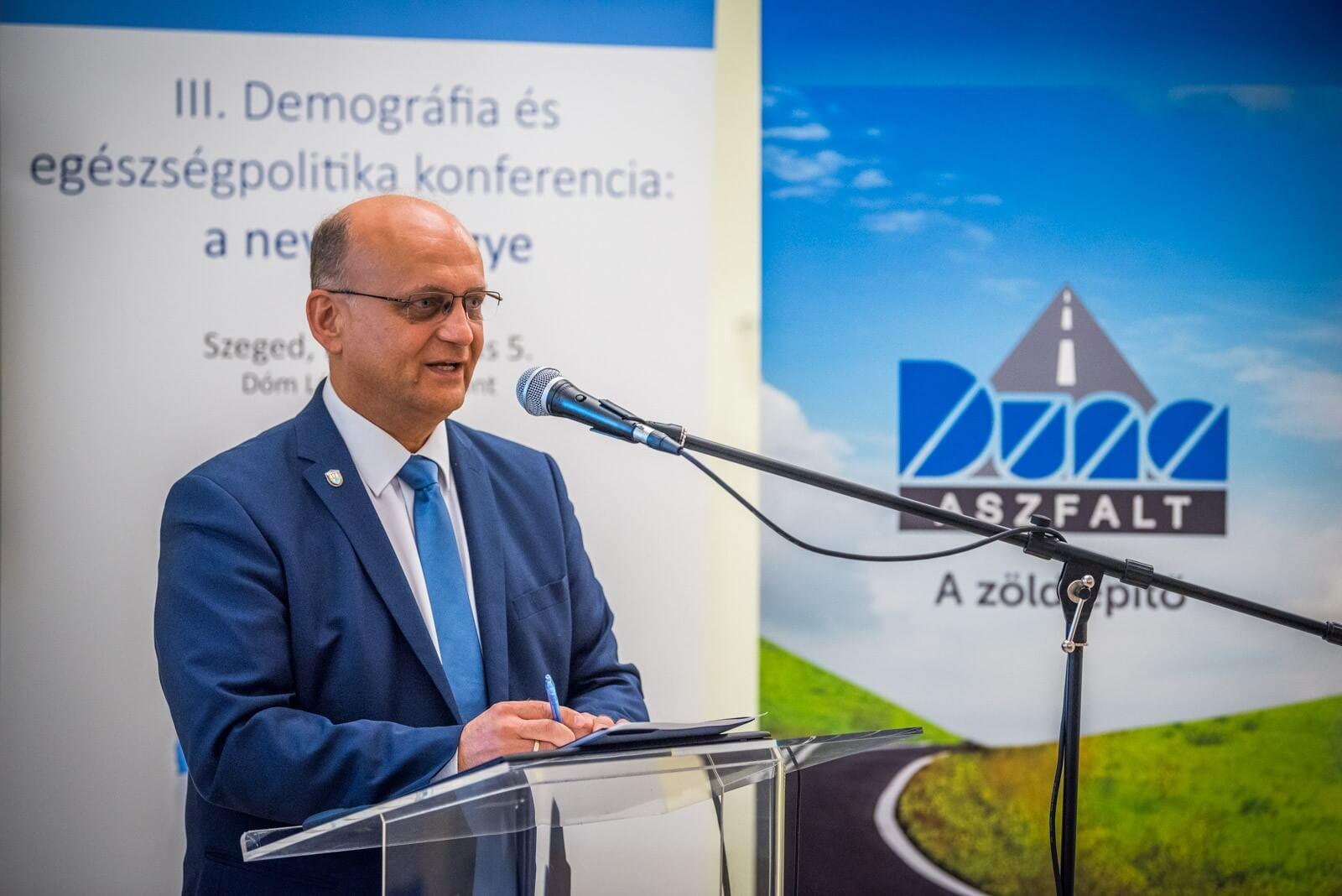 Demográfiai konferenciát támogat a Duna Aszfalt