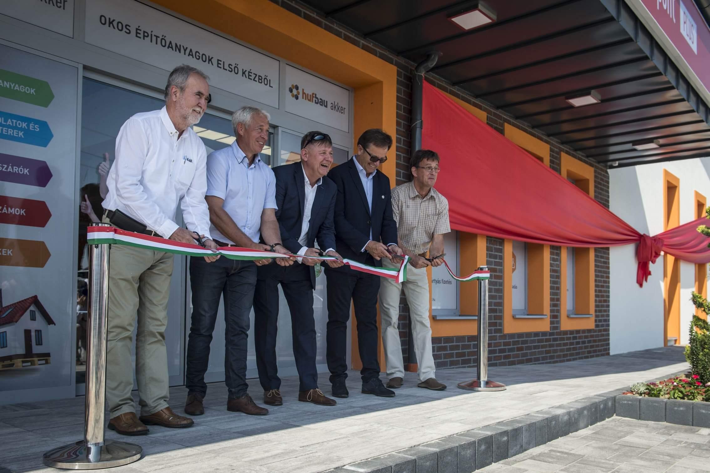 NÖVEKEDÉSBEN – Új építőanyag-áruházakat nyit a Hufbau-Akker