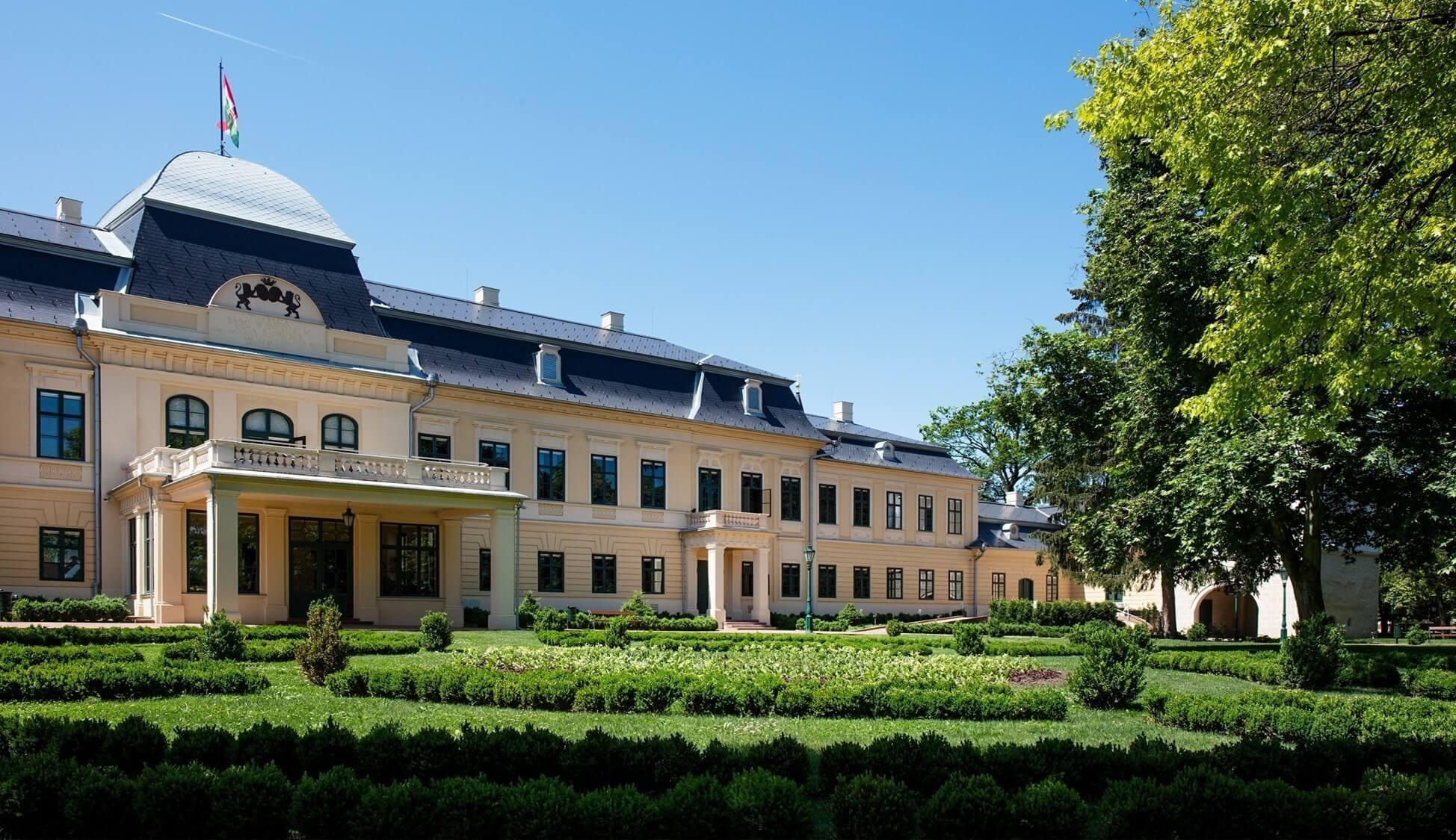 Nívódíjas barokk kastély nyer új épületszárnyat