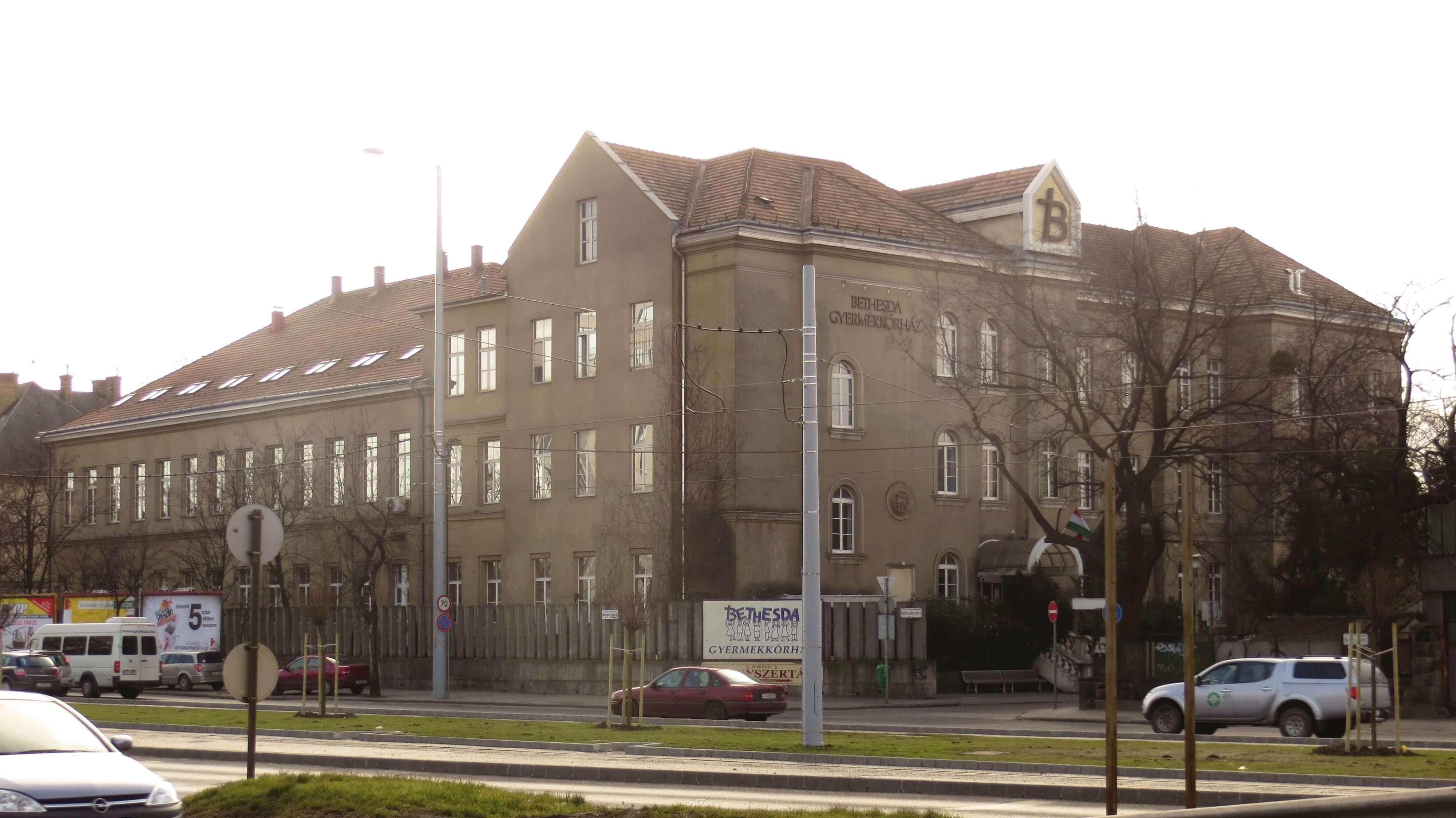 Három kórházépület újul meg Zuglóban
